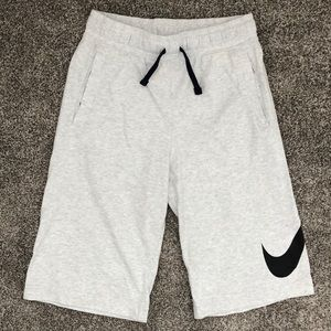 Nike Boys Shorts - Size XL